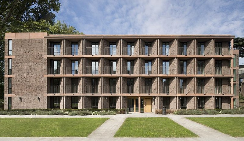 Michelmersh's Floren Vega Rustic brick at Chadwick Hall, University of Roehampton. Architects Henley Halebrown. Silver Fritz Höger Award 2020 for Brick Architecture.