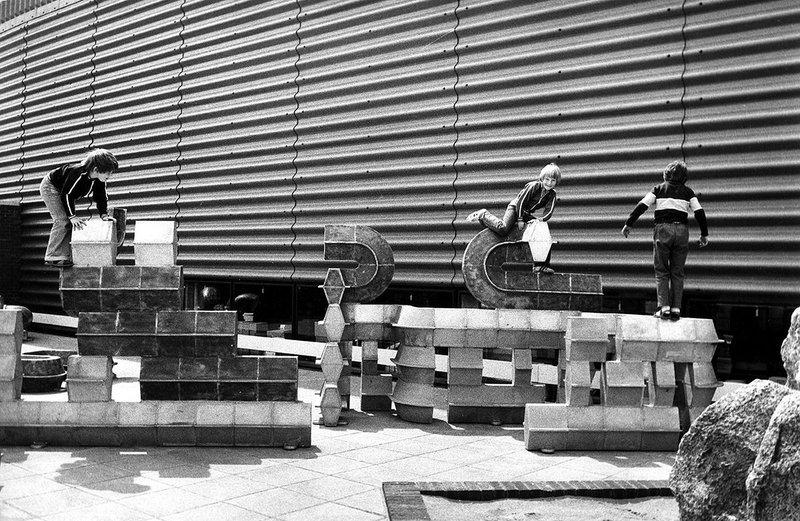 Habitat warehouse and showroom Wallingford, Berkshire, 1971.