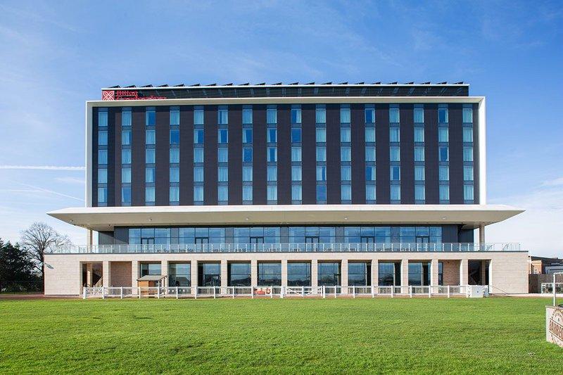 Senior Architectural Systems' aluminium doors and windows at the Hilton Garden Inn Hotel, Doncaster.