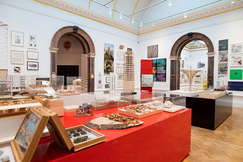 1 Installation view of the Summer Exhibition 2020 (6 October 2020 – 3 January 2021) at the Royal Academy of Arts, London.