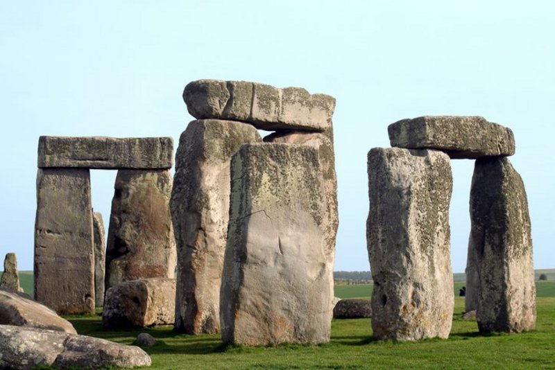 How to protect the Stonehenge site from traffic?