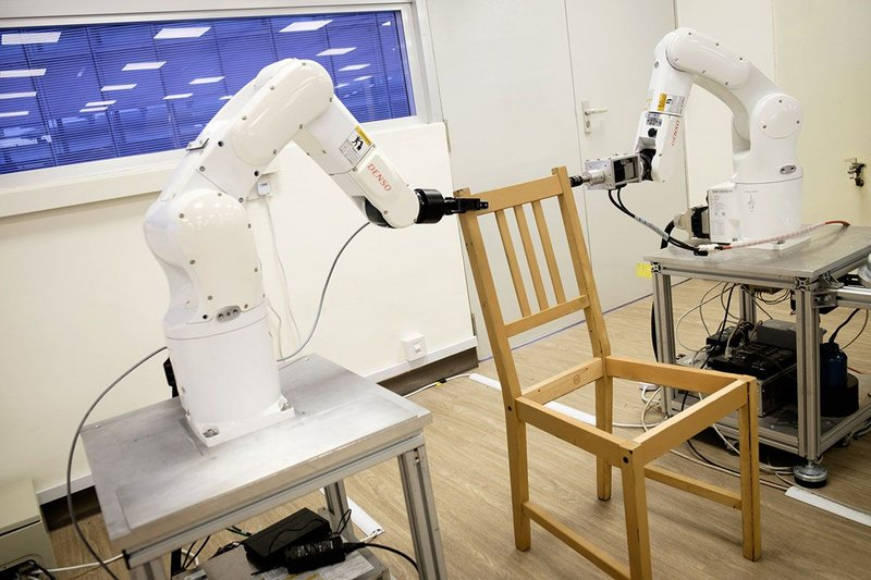 Two robots and a 3D camera took 20 minutes to assemble this IKEA flat pack chair.