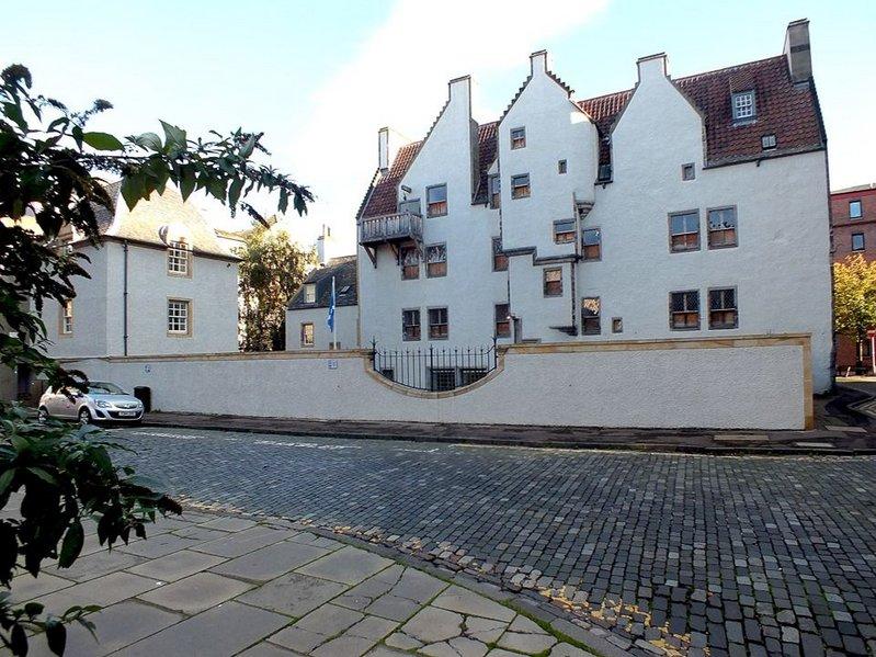 Lamb's House, Edinburgh. Click on the image.