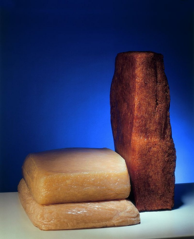 Artificial (left) and natural rubber.