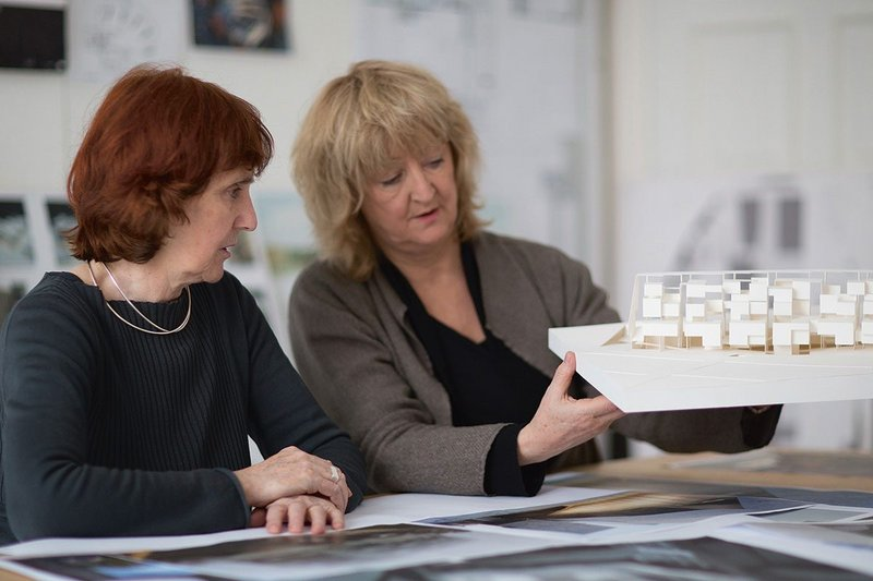 Shelley McNamara (left) and Yvonne Farrell with a model of UTEC, Lima.
