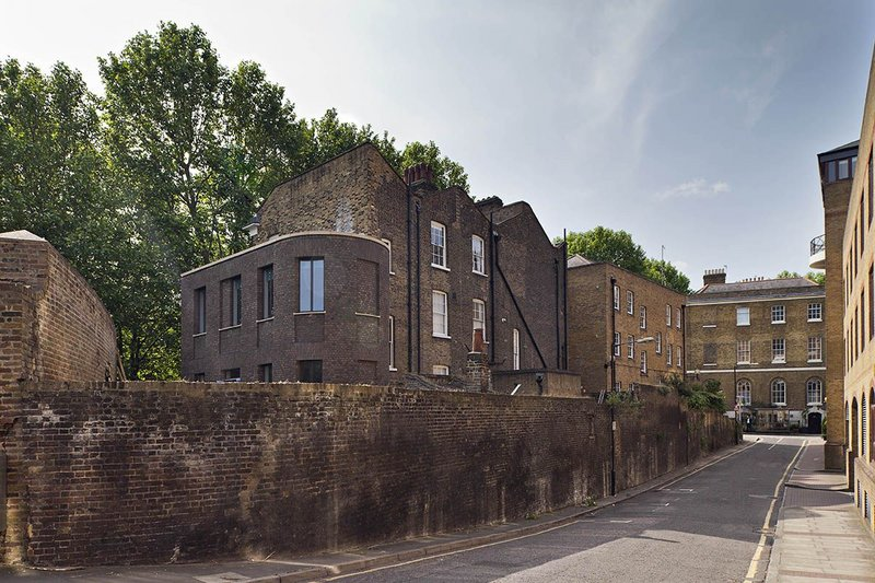 House in Wapping. Click on the image.
